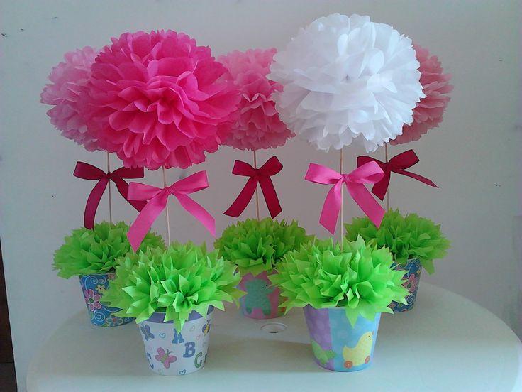 1000 images about pompones de papel seda on pinterest - Decoracion con pompones ...