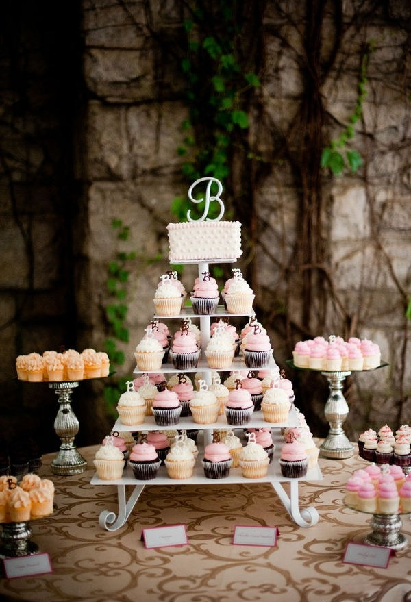 how to make gigi s wedding cake cupcake 17 best images about gigi s weddings on 15951