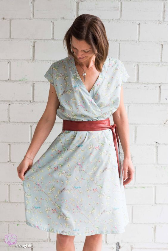 pattern and sewing instructions for dress katrein suitable for jersey