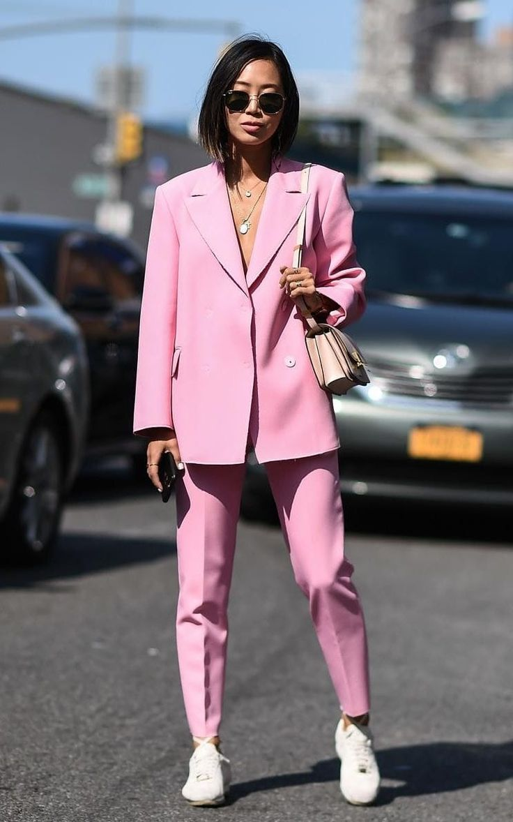 street style, new york fashion week, pink , pink suit, song of style, outfit idea, pink outfit,
