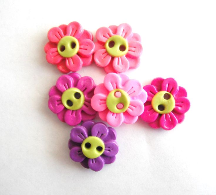 Button Double Daisies handmade polymer clay buttons ( 6 ). $7,50, via Etsy.