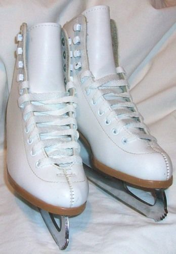 RIEDELL Ice Skates Size 4 #112W White New Laces Fits Both Girls or Women (EUC) #Riedell
