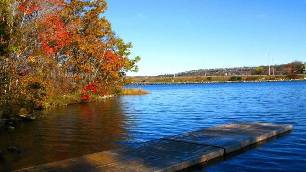 AWESOME AUTUMN -Lake Banook, Dartmouth NS   The Chronicle Herald