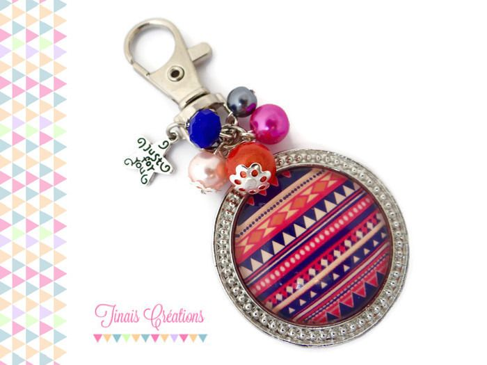 Bijou de sac / Porte clef cabochon - Azteque bleu et rose - orange perle breloque argenté verre : Porte clés par tinais-creations