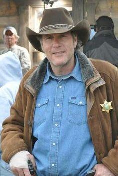 Walt Longmire (Robert Taylor)