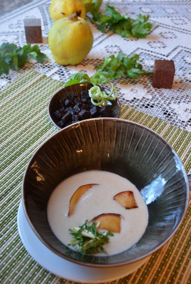 Gesztenyés zellerkrémleves vajban sült birsszeletekkel