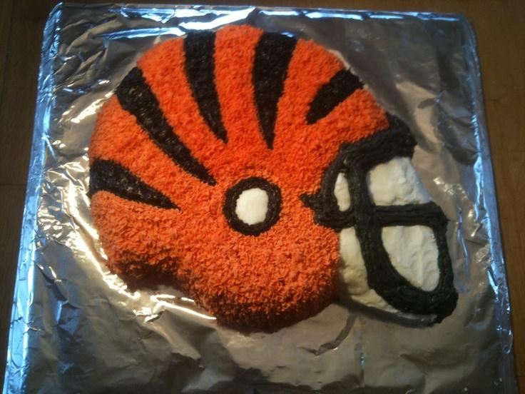 Cincinnati Bengals football cake