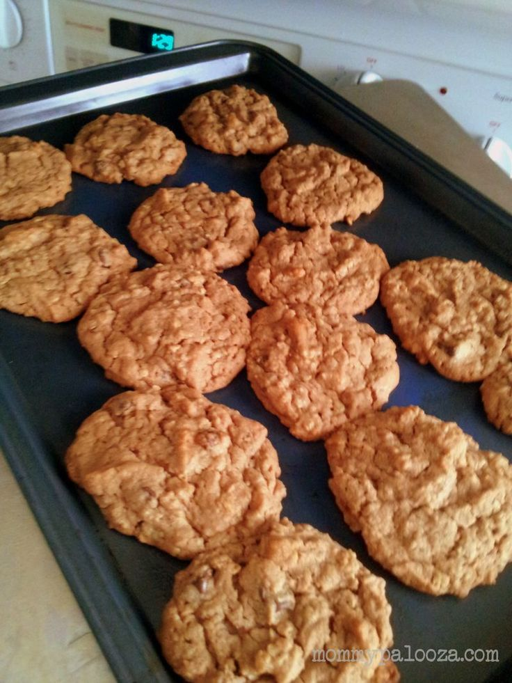 mommypalooza™ ~ a daily dose of mommy mayhem.: Baking with Toddlers: Nutella Peanut Butter Oatmeal Cookies {recipe}