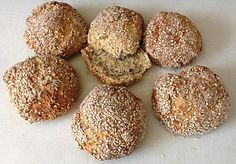Chia-Floh-Eiweiß-Brötchen, ein schönes Rezept aus der Kategorie Trennkost. Bewertungen: 2. Durchschnitt: Ø 3,8.