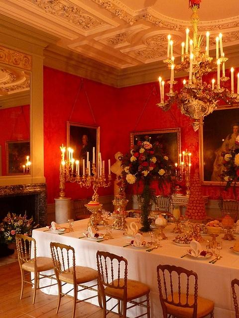 Palace Het Loo, Netherlands by Emiel van den Boomen, via Flickr