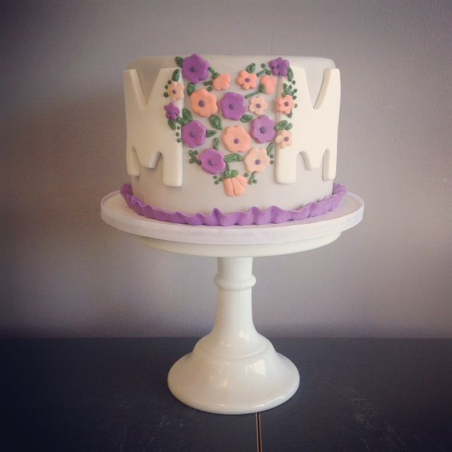 Cake Decoration Mothers Day : 17 Best images about Mother s Day - Cakes on Pinterest ...