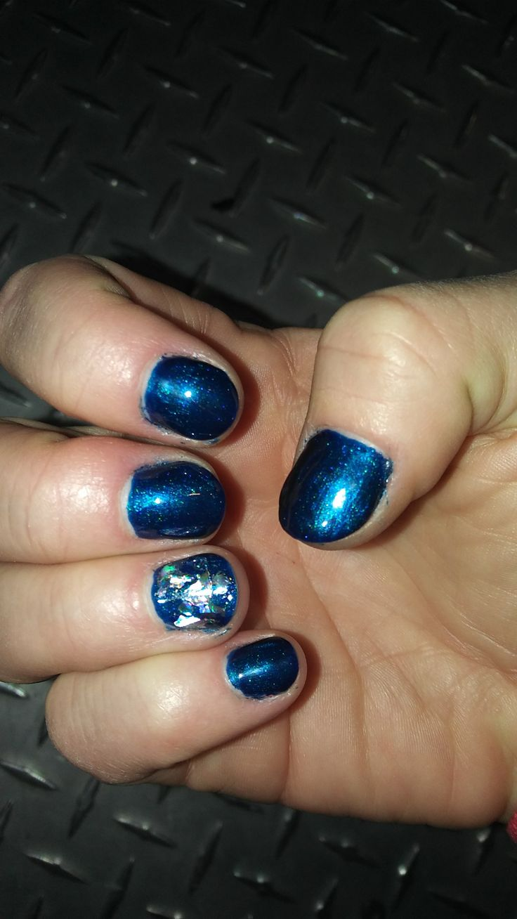 #CND #Shellac #Toes #PeacockPlume #HolographicFoil #sugarnspiceservicessalon #CustomNailArt #FallFabulos