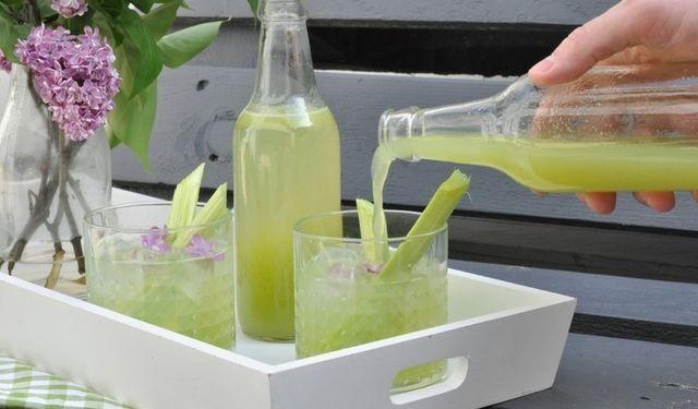Pripravte si doma: Osviežujúca rebarborová limonáda | DobreJedlo.sk
