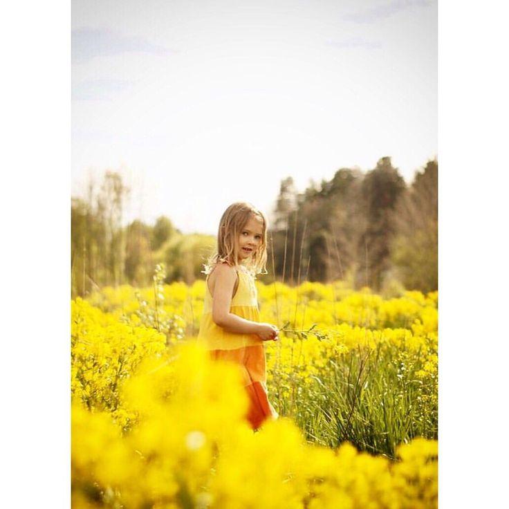 #toddler #girl #flowergirl #sweden