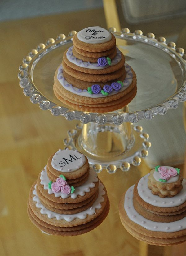 stacked wedding cake cookie favors mini stacked wedding cake cookies biscotti 20462