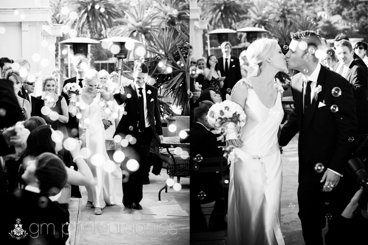 Modern Confetti - Bubbles! Pretty, delicate bubbles add to the magic of your wedding photos & create no mess. Xx