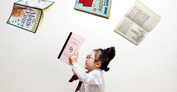 한글을 읽고 쓰는 데 어려움이 없는 아이도 초등학교에 들어가서 수업을 따라가기 힘들어 하는 경우가 많다. '글자'는 읽지만 '글'을 이해하지 못하는 게 문제. 초등 입학 전에 아이의 읽기 능력을 키워줘야 하는 이유다.