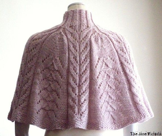 Knitted Capelet Pattern : 576 best images about Knit shawl - strikkede sjaler on Pinterest Free patte...