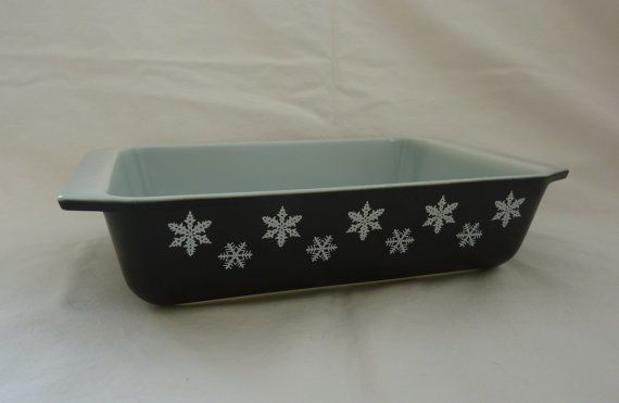 Vintage 2 QT Pyrex Baking Dish - Black with White Snowflakes - Rectangular Shape - Highly Collectible