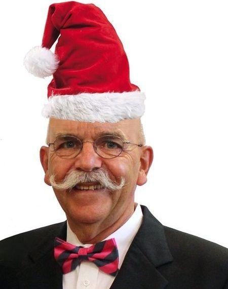 """Der Nikolaus  Es wird allerhöchste Zeit, dass renoviert wird, liebe Leut´, es freut nicht nur den Nikolaus, kommt er ins frisch gemalte Haus.  Und erst das Christkind jauchzt entzückt: """"Schön renoviert, ist das ein Glück, (...)"""