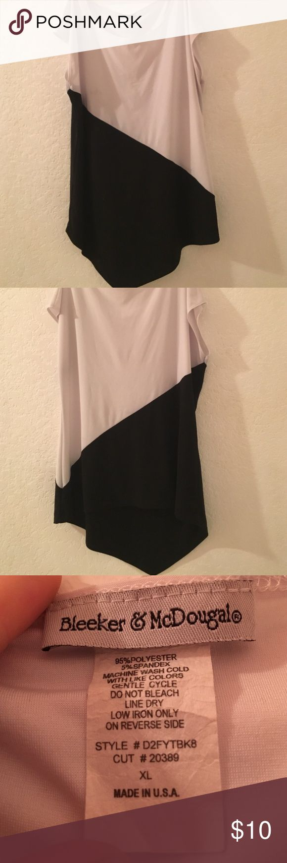 Black and white womens top Black and white. Women's. Size XL. Bleaker and Mcdougal. Tops Tunics