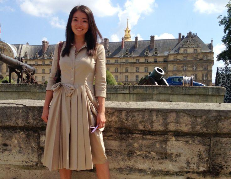 A secondhand, 20 piece minimalist Parisian wardrobe. that is a pretty little dress!