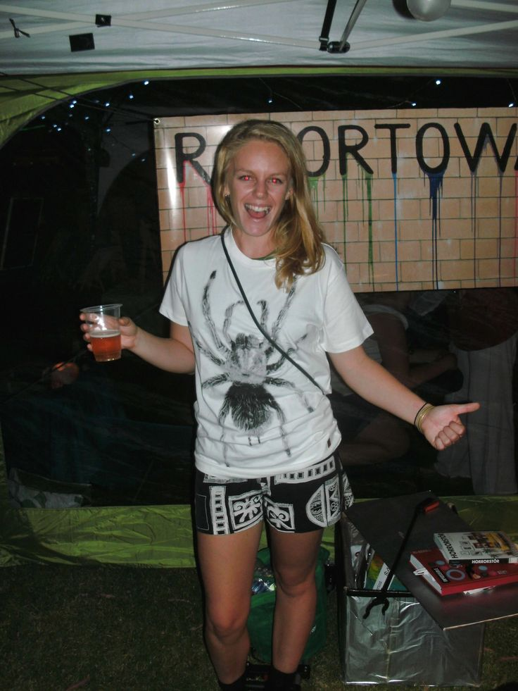 Our Razortownie of the week is this totally rad young lady who decided to put on her Spider Tee immediately after purchasing it... We are chuffed! We heard a rumour that she is new in town, so if you see her, go up and give her a hug!