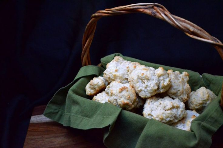 [ Cheese Scones Recipe ] There is only 20 minutes between you and these easy and delicious scones!