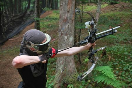 Bow & Arrow paintball! Awesome! I want to do this but it would hurt like hell!!