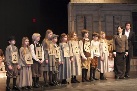 Pinckney Players bring 'Orphan Train' to stage | MLive.com