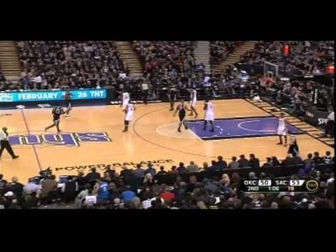 Russell Westbrook throws down on the Sacramento Kings! 2-9-12