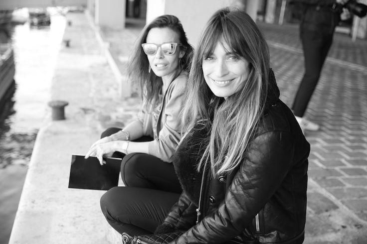 Elodie Bouchez et Caroline de Maigret avant le défilé Anthony Vaccarello printemps-été 2015 http://www.vogue.fr/mode/inspirations/diaporama/fwpe2015-les-coulisses-de-la-fashion-week-de-paris-printemps-ete-2015-jour-1/20459/image/1083734#!elodie-bouchez-et-caroline-de-maigret-avant-le-defile-anthony-vaccarello-printemps-ete-2015