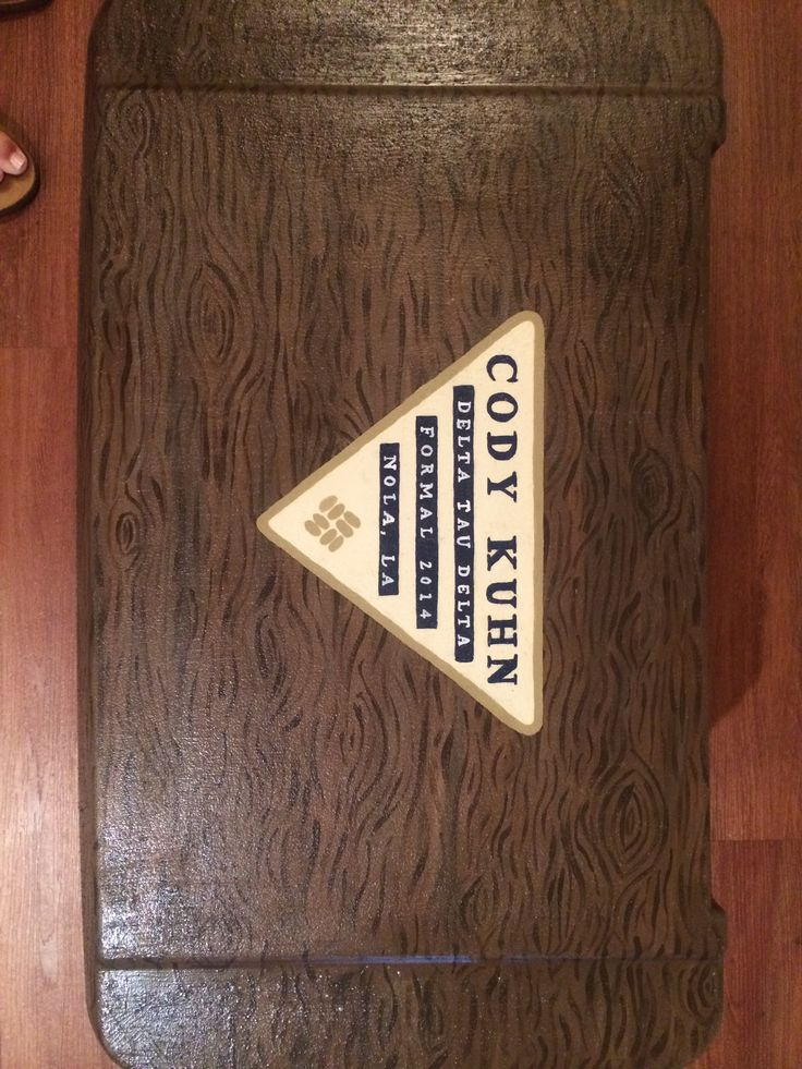 Fraternity cooler, Columbia logo with wood painted top
