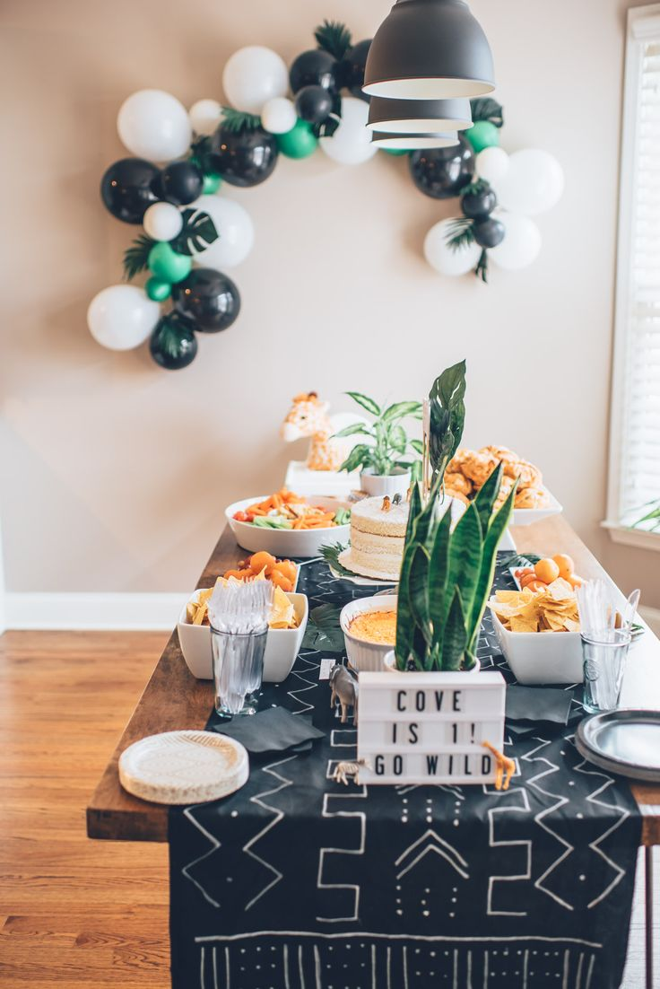 This is the coolest hipster baby shower we've ever seen! The decor is so chic and simple.