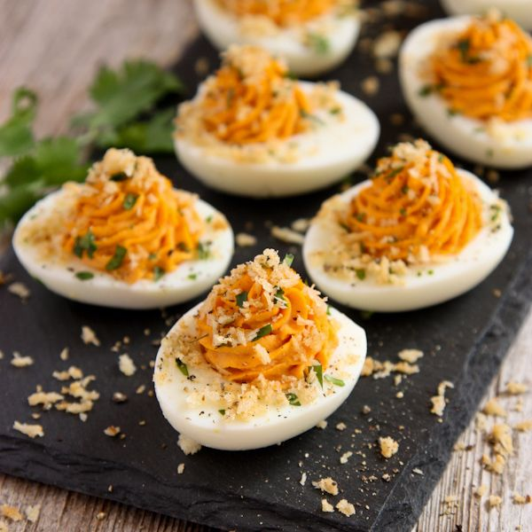 """Let's just call this """"Sriracha and Garlic Toast Week"""" around here, ok? Did you see my Sriracha Garlic Toasts with Shrimp earlier this week? There's just something about this combination of flavors and textures that gets to me. I almost topped these Sriracha Deviled Eggs with Garlic Toast Crumb Topping with a small grilled shrimp, …"""