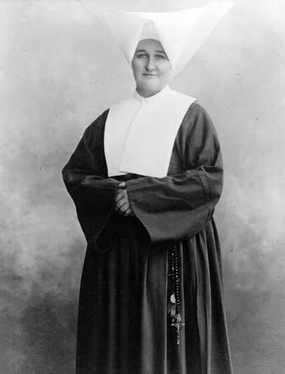Sister Chrysostum Moynahan, D.C. Daughters of Charity 1862-1941 -Alabama's 1st registered nurse in 1916 -Founded St. Vincent's Hospital School of Nursing in Birmingham (1st nursing school in Alabama)  -Served as St. Vincent's 1st administrator 1900-1919 -Lead a group of nurses, the Loyola Unit, in Italy during World War I.  -Was recognized by US & Italian governments for her service.  -Continued as administrator in Missouri & Alabama hospitals, bringing health care services to areas in need.