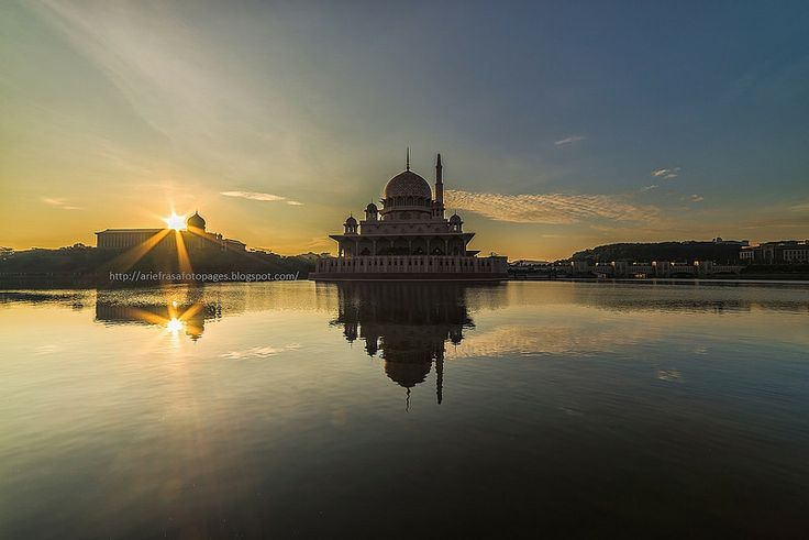 Twin Burst | Putrajaya #sunburst #sunrise #morning #lake #reflection #putrajaya #mosque
