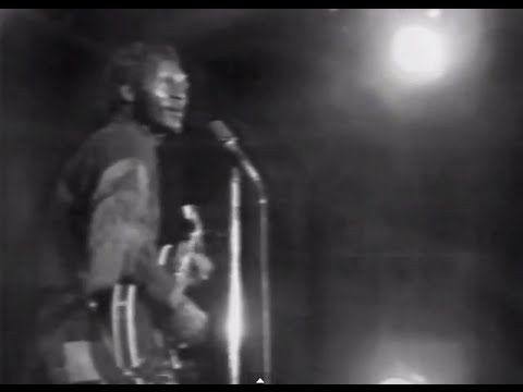 Chuck Berry - My Ding-A-Ling - 11/2/1972 - Hofstra University (Official) - YouTube