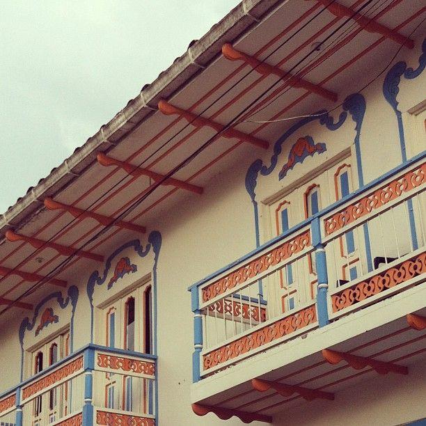 Balcones tipicos en Filandia, Quindio. Foto gracias a http://instagram.com/chaplu