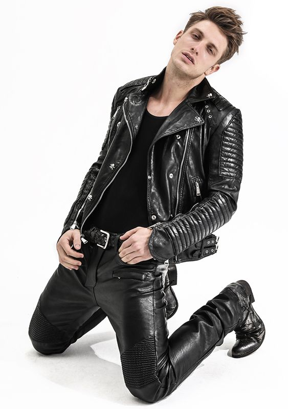 """skynet50: """"office-leather: """" My Style! Absolutely love it!!!!!! """" so hot """""""