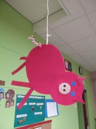29 best comptines images on pinterest nursery rhymes - Petit cochon pendu au plafond ...