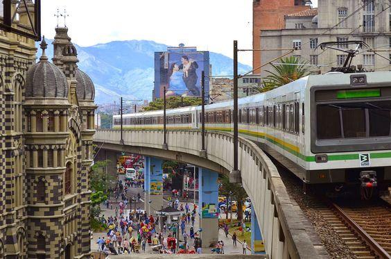 imagenes de medellin colombia metro
