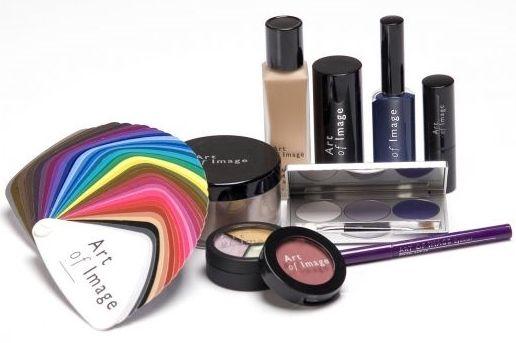 Make-up waar je mee gaat werken om je klanten mooi op te maken en te adviseren.