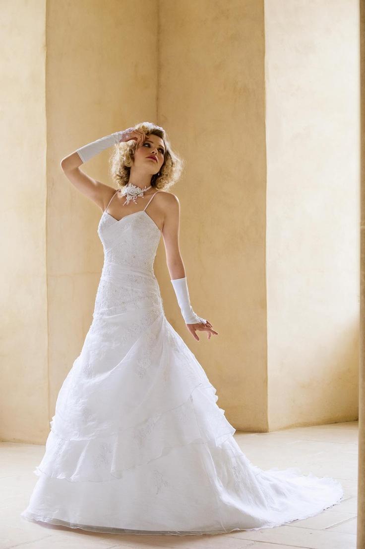 Igen Szalon Tia by Modeca wedding dress - Cadix #igenszalon #weddingdress #modeca