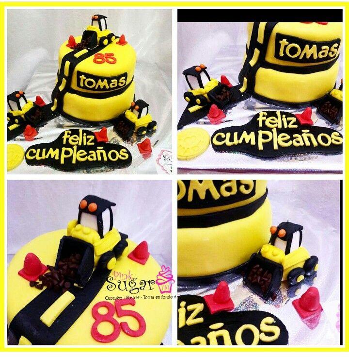 Torta caterpillar  construccion pinksugar #pinksugar #cupcakes  #homemade  #casero  #barranquilla #pasteleria #reposteriacreativa #tortas #fondant #reposteriabarranquilla #happybirthday  #cake #baking  #galletas #cookies  #pinksugar #wedding #buttercream #vainilla #minion #oreo #passionfruit #cupcakesbarranquilla #caterpillar