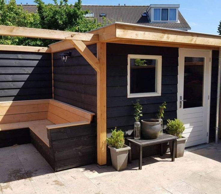 Schuurtje, veranda in kapberg stijl. Onbehandeld en zwart Douglas. #houtlab. Tuin idee Lounge sfeervol
