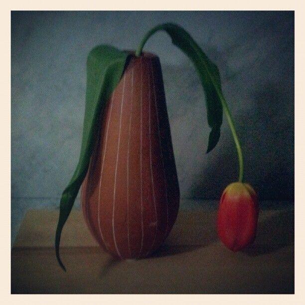 Tulipano malinconico 1 - Samsung Galaxy S2 internal camera, Instagram