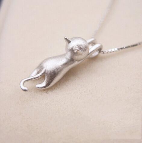 Cute Cat Pendant Necklace Shiny Silver