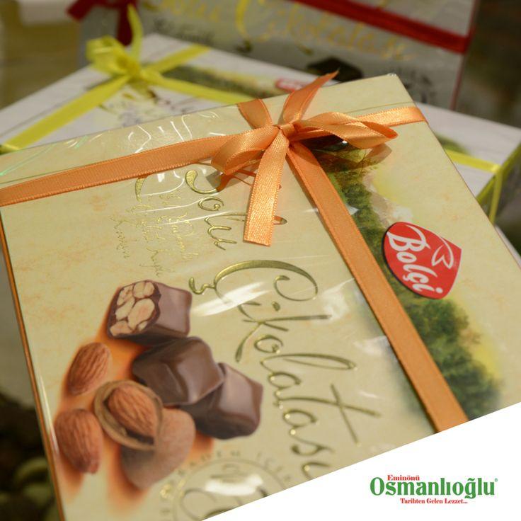 Enfes Çıtır Bademli Bolu çikolatası... Bayram çikolatası Eminönü Osmanlıoğlu'ndan alınır.