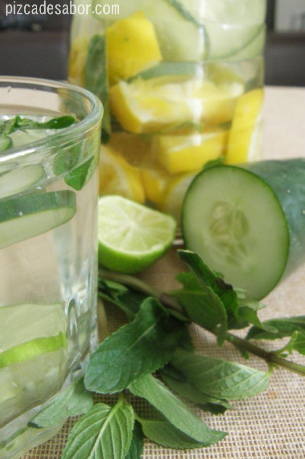 Agua detox   http://www.pizcadesabor.com/2013/01/16/agua-detox/